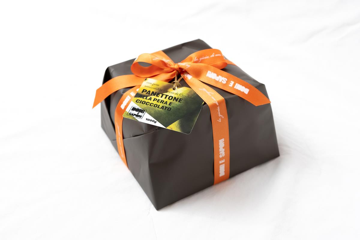 Artisan Italian Panettone with Pear and Chocolate - 1 Kg - Gift Wrapped