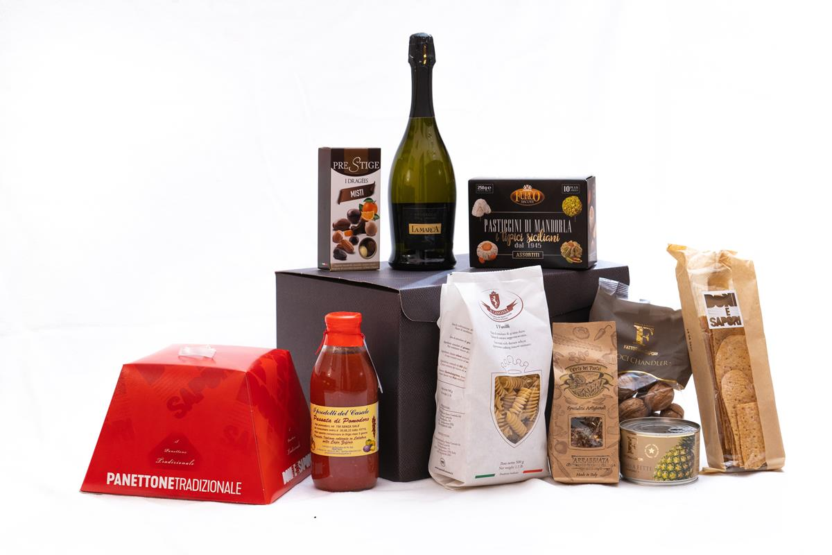 Gourmet Enogastronomic Gift Hamper with 10 Made in Italy Specialties