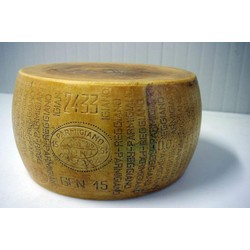 Azienda Agricola Bonat Parmigiano Reggiano - 30 months - kg 40 approximately - Whole Wheel