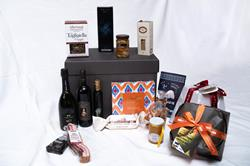 Gourmet Enogastronomic Gift Hamper with 16 Made in Italy Specialties